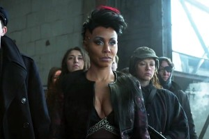 Fish Mooney sports a new look and a younger entourage in the Gotham season 1 finale.